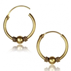 \\\'\\\'Mahaan gend\\\'\\\' chiseled earrings