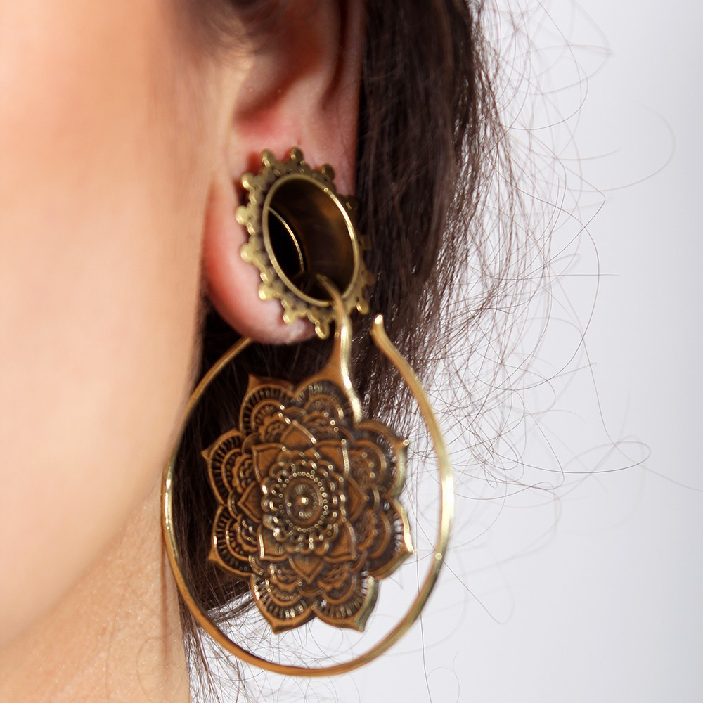 \'\'Shuntya\'\' ear jewel