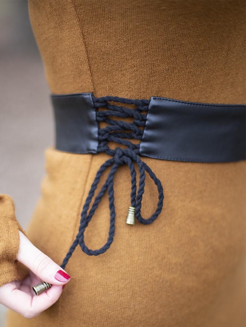 "Cintura \""Oleyäa\"", Cuero sintético negro"