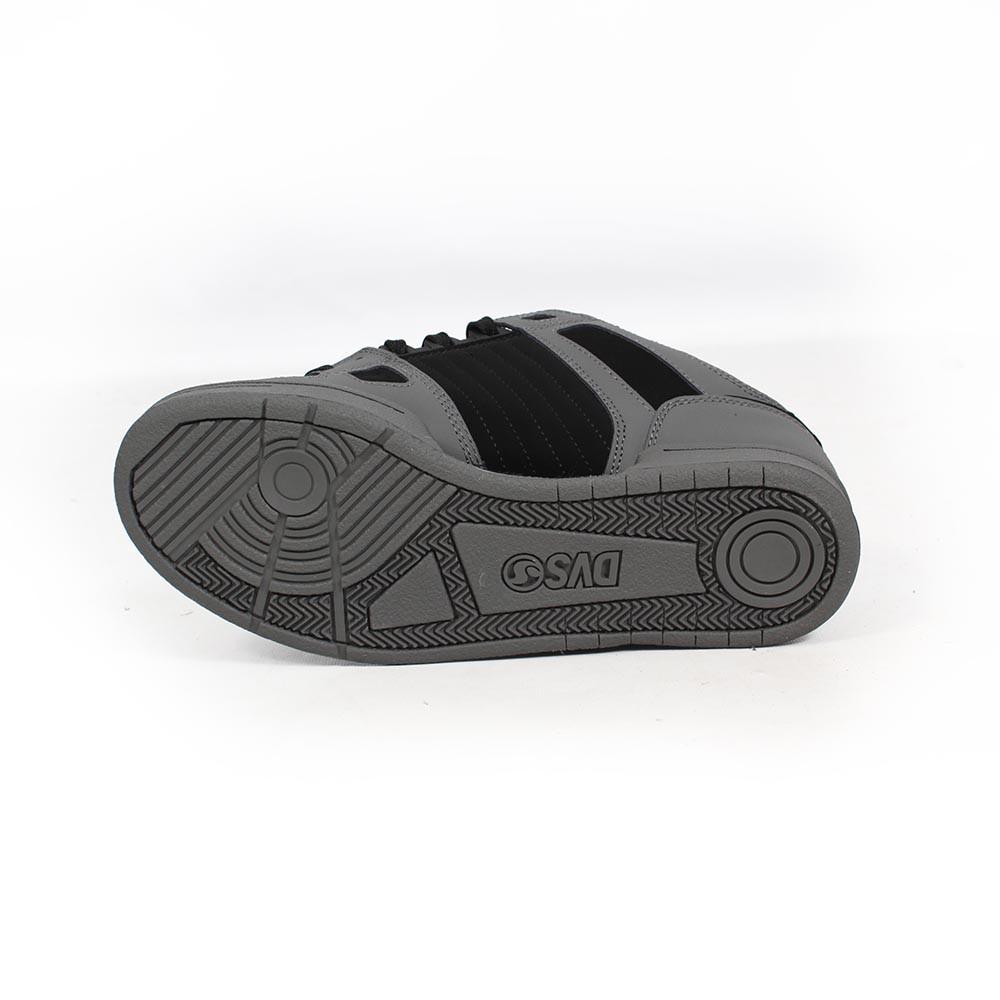 DVS Celsius, Cuero gris y negro y royo detalles