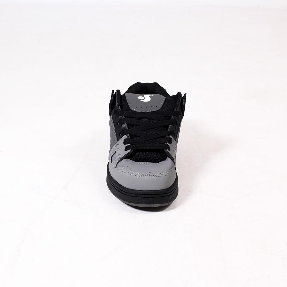 DVS Celsius, Gris claro, gris oscuro y negro nubuck cuero