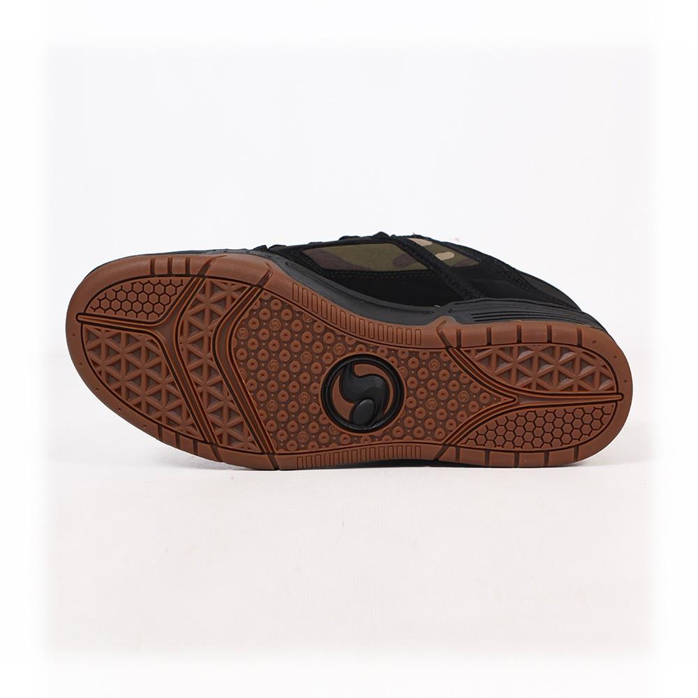 DVS Comanche, Cuero negro y detalles de tejido camo