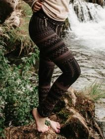 "Leggings largos \""Rinji Aztec\"", Negro con motivos marrónes"