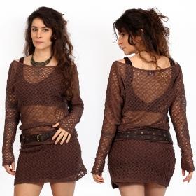 suéter de ganchillo marrón yggdrazil kayäa, top de mangas largas en encaje resistente con amplio escote, hombro desnudo, estilo mori, look roots, original y elegante