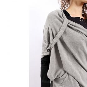 """Top witch \\\""""mandlu\\\"""", one size color light grey"""