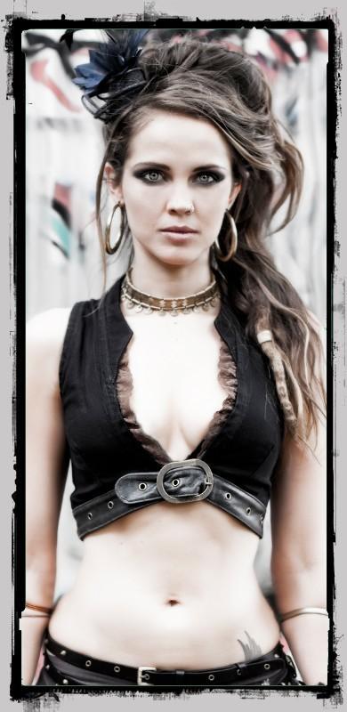"Vest \\\""cyber goth\\\"" fairy floss, black"