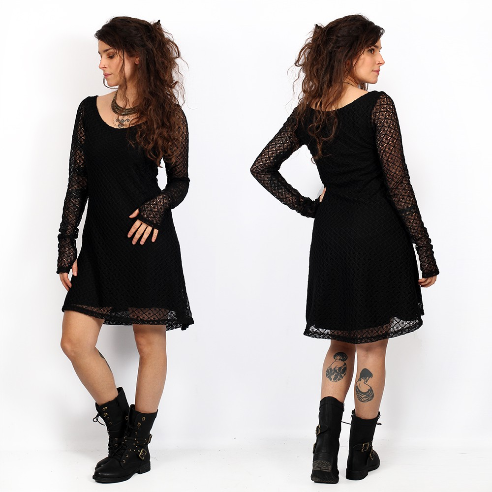 vestido corto negro con forro de ganchillo, vestido de patinador con mangas largas transparentes alchemÿa yggdrazil, skater dress, vestido mori, dark boho, roots, goth, cuello redondo